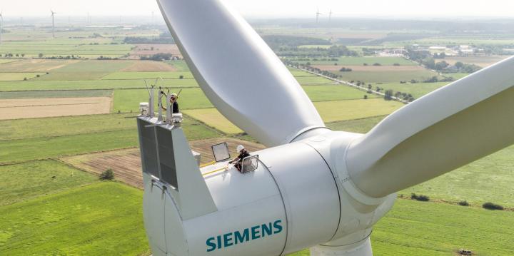 Siemens-direct-drive-turbine-4x2